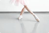 天鹅湖畔芭蕾舞