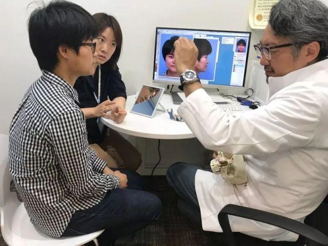 视力手术有年龄限制吗,视力手术之后会不会存在后遗症?