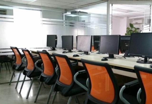 成人学电脑培训哪里好,电脑培训班都包含哪些科目?