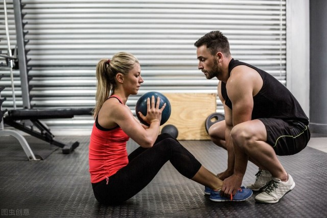 初学者健身房锻炼的正确顺序,速变健身运动达人